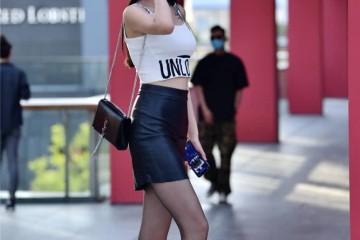 穿高跟鞋逛街当然要挑选细高跟时髦街区的姑娘都这么穿