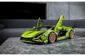 全新乐高®机械组Lamborghini Sián FKP 37跑车重磅上市亮相于微型超跑新车发布会