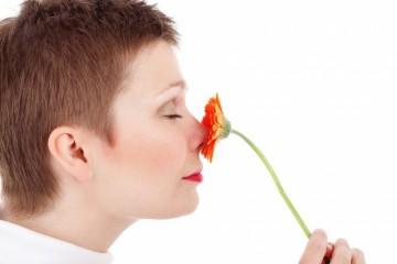 鼻子假体水肿怎么消除正确处理很关键
